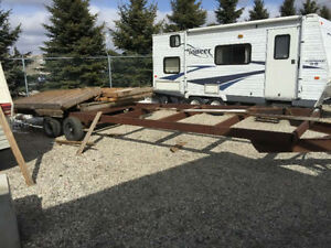 30' flat deck trailer in great condition