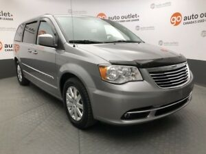 2013 Chrysler Town & Country Touring, Heated Seats, DVD, Backup