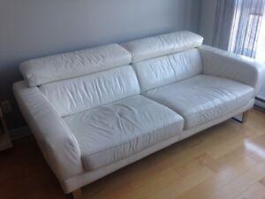 Vend canapé en cuir blanc
