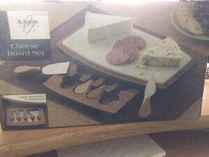 CHEESE BOARD SET BRAND NEW IN BOX- REDUCED