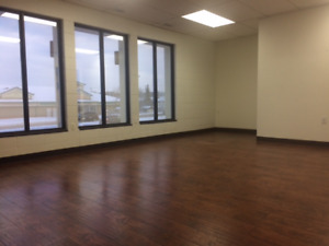 Office Space Available Immediately Aprox 315 Sqft