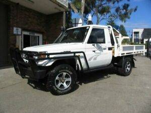 2006 Toyota Landcruiser HDJ79R RV (4x4) White 5 Speed Manual 4x4 Cab Chassis Roselands Canterbury Area Preview