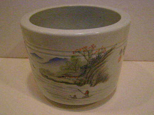 CHINESE POLYCHROME DECORATED BRUSH POT