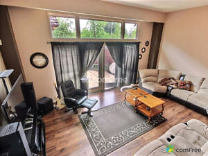 End Unit townhouse condo in Westwood - Open House this Sunday