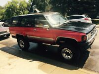 1986 Toyota 4Runner 1400$ need gone today