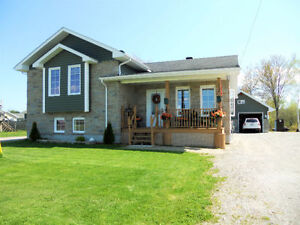 NEW PRICE for Side split house at 112 Riverfront/Sturgeon Falls