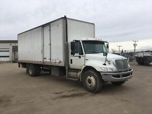 2014 International 4300 4x2, Used Dry Van Regina Regina Area image 1