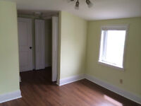 3 BEDROOMS CHEBUCTO RD AVAIL JULY 1 CLOSE TO UNI/MALL/QUINPOOL R