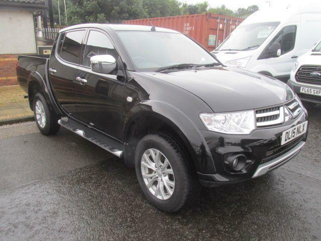 Mitsubishi L200 Double Cab Di-D Challenger 4Wd DIESEL MANUAL BLACK (2015)