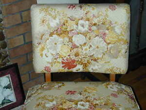 ANTIQUE CHAIR IN EXCELLENT CONDITION!!!