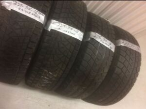x2 Bridgestone 225/75/16, x2 Michelin 225/70/16
