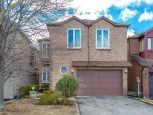 Alluring 4+1 House In The Heart Of Thornhill At Brickstone Circ