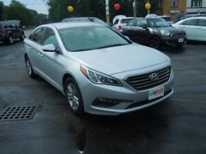 2015 HYUNDAI SONATA GL- REAR VIEW CAMERA, HEATED FRONT SEATS, AL