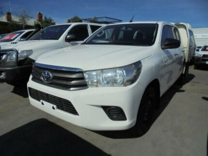 2015 Toyota Hilux GGN120R SR Double Cab 4x2 White 6 Speed Sports Automatic Utility Ballarat Central Ballarat City Preview