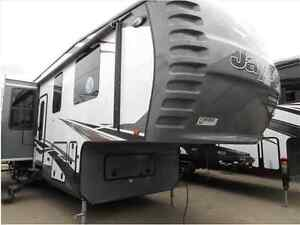 SPECIAL LIMITIED TIME OFFER ON THIS 2015 SEISMIC 4902 TOY HAULER