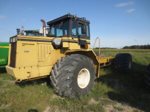 Ag-Chem Terra-Gator Floater Cab and Chassis 4WD Tractor