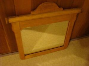 Antique Dresser Mirror Comox / Courtenay / Cumberland Comox Valley Area image 3