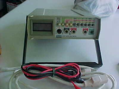 Fluke 8010 Digital Lab Meter Wleads Cords   Bx 17