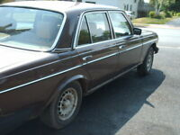 1983 TURBO DIESEL MERCEDES 300D
