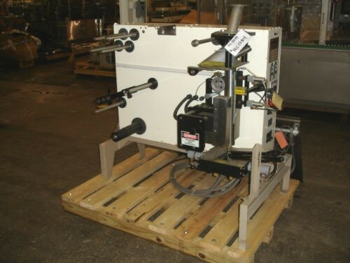 Key-Pak - Luciano Packaging V-200B Vertical Form Fill & Seal pouching machine