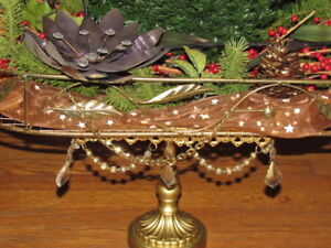 Gorgeous Gold Metal Large Net Tray w, Full Decoration