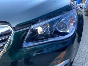PASSENGER SIDE HEADLIGHT HEAD LAMP SUITE HOLDEN COMMODORE VF SEDAN WAG Smithfield Parramatta Area Preview