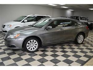 2013 Chrysler 200 LX - A/C***Heated Seats***LOW KMS