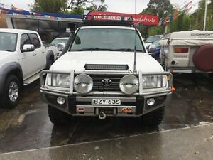 2004 Toyota Landcruiser UZJ100R Kakadu (4x4) White 5 Speed Automatic Wagon Sylvania Sutherland Area Preview