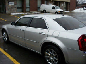 2007 Chrysler 300-Series C Sedan HEMI engin 340 HP