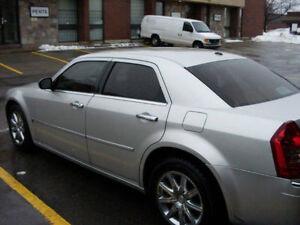 2007 Chrysler 300-Series C Sedan HEMI engin 340 HP