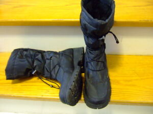 women winter boot size 7.5 from AQUATHERM BY SANTANA,p2046