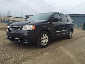 2014 Chrysler Town & Country~Leather~Sto n Go Seating~ $164 B/W