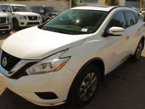 2018 Nissan Murano SV: Panoramic Moonroof, Heated steering wheel