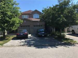 Beautiful Townhome,3+1Beds,3Baths,1285 Bristol Rd W Mississauga