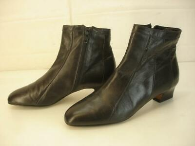 Women's 6.5 M 37 Bally Made in Italy Black Leather Ankle Dress Boots Side Zipper