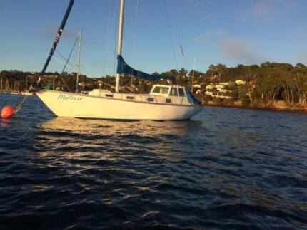 Yacht for sale 33 foot Hartley design with near new diesel.