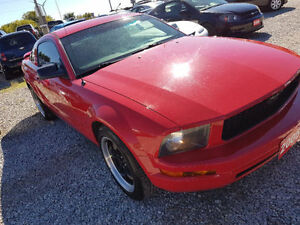 2005 Ford Mustang v6 5000 taxes in come get it Windsor Region Ontario image 2