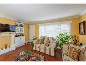 Cozy and convenient 3 bedroom, 2 full bathroom townhouse !