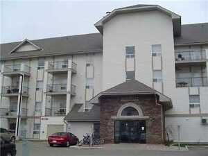 2 BEDROOM 2 BATHROOM CLEAN BRIGHT CLAREVIEW STATION
