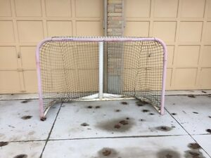 FULL SIZE hockey net