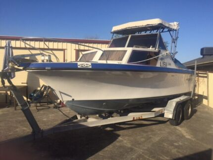 22ft Savage Blue Fin Fibreglass Fishing Boat Endeavour Hills Casey Area Preview