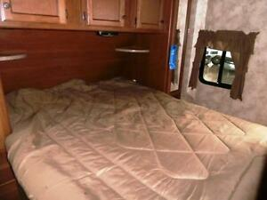 NEW 2016 Maple Country 26 RB - TRAVEL TRAILER LEATHER COUCH Edmonton Edmonton Area image 7