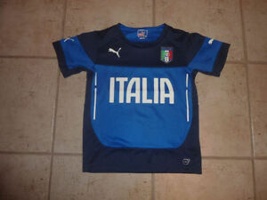 PUMA 'Italia' jersey, exclelent condition, size 8 - 10 years