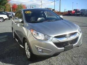 """2012 Hyundai Tucson Limited w/Nav """"SEARCH DMR"""""""