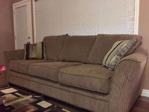 Super comfy sofa in a very good condition!