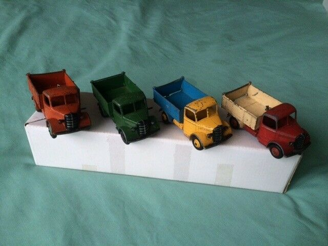 DINKY TOYS - CAT NO 25M/410 BEDFORD END TIPPERS - ALL 4 FOR £60.