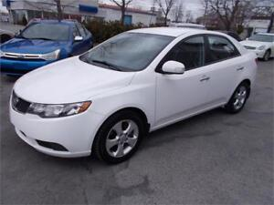 2010 Kia Forte EX Coupe Berline