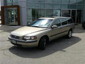 2003 VOLVO V70, INCREDIBLE CONDITION, RUNS AND DRIVES LIKE NEW