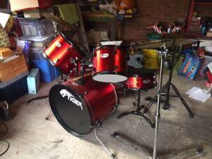 Stunning Junior Tiger Drum Kit  Set 5 Piece With Sabian Symbols