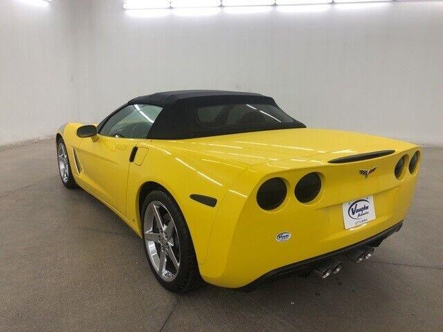 2008 Yellow Chevrolet Corvette     C6 Corvette Photo 7